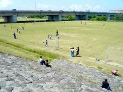 日野川のスポーツ場.jpg