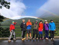 鍵掛峠から虹を見る.jpg